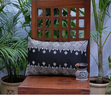"BLACK CREAM EMB CUSHION COVER (12""x18"")"