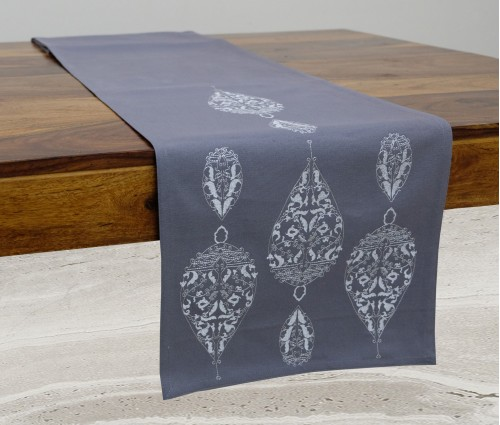 LIGHT GREY DEW DROP EMB TABLE RUNNER
