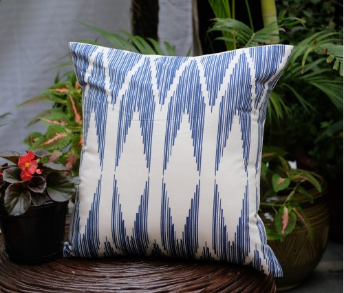 "CHEVRON COTTON CUSHION COVER (16""X16"")"
