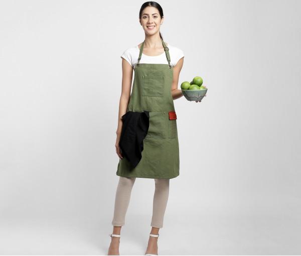Hunter Green Multipurpose Cotton Apron with black linen napkin