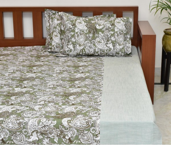Olive Paisley Center Panel Printed Cotton King Bedsheet With 2 Pillow Covers