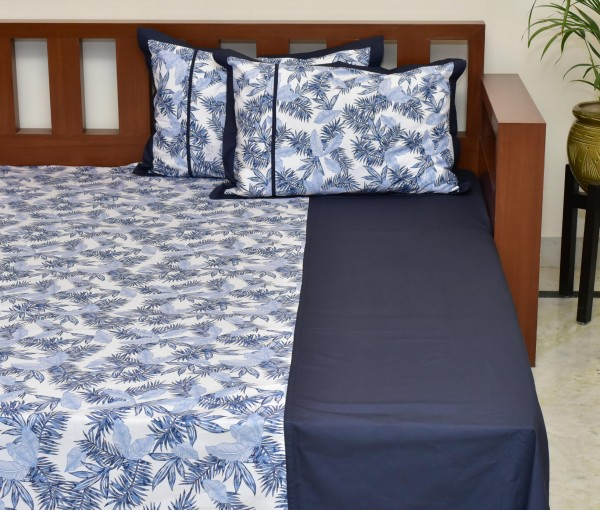 Blue Tropical Printed Cotton King Bedsheet With 2 Pillow Covers